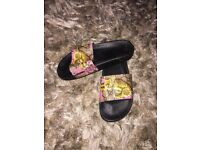 Woman's style Gucci sliders