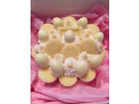 Jumbo cupcakes 4 inches x2.5 inches. Gift boxed