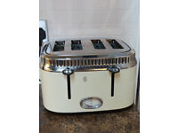 Fab retro style Russell Hobbs toaster