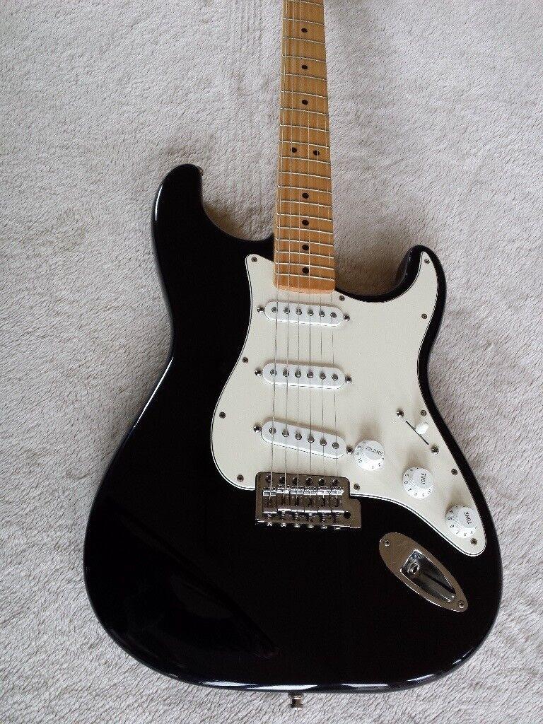 Fender Electric Guitar Gumtree : fender stratocaster electric guitar made in mexico 2000 maple neck in banbury oxfordshire ~ Russianpoet.info Haus und Dekorationen