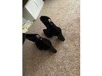 Ladies size 4 black heels