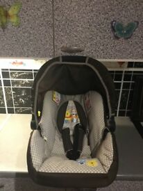 Hauck baby carrier/car seat £30 cash
