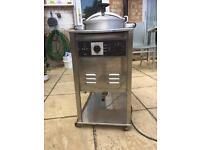 Kuroma pressure cooker