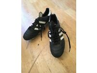 Kaiser 5 SG Foootball Boots Size 10.Great condition l, just got one stud missing so make an offer...