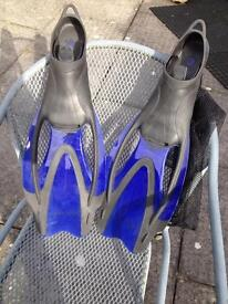 Flippers, size 6-7 adult