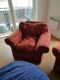 FREE ARM CHAIR NEEDS TO BE GONE