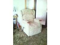 HSL Linton riser recliner chair, with dual motors and battery back up. very good condition.