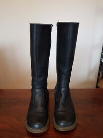 Elena Dr Marten black boot's size uk5