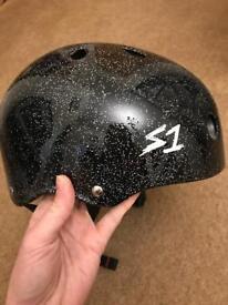 """S1 Lifer Helmet - Black Gloss Glitter XL (22.5""""/57.2cm) - Unboxed NEVER USED"""