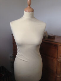 Female Tailors Dummy Cream Size 10-12 Dressmakers Fashion Students Mannequin Display Bust