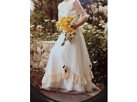 Cream Wedding Dress / Ball Gown Size 12-14