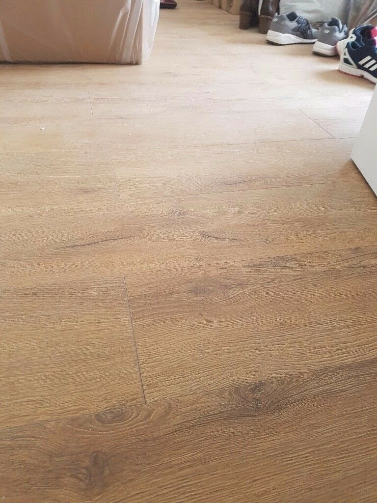 SQM 12mm Sicilia Oak Laminate