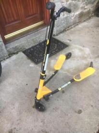 Y Fliker F3 Self Propelling Scooter