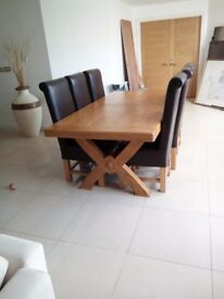 LUXURIOUS, SOLID OAK, FRENCH DINING TABLE AND 6 CHAIRS, LIKE NEW!