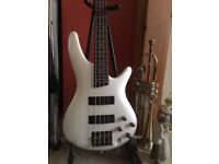 Ibanez SR300 Bass Guitar in Pearl White