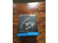 Shennheiser headphones - momentum on ear black