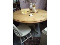 Lovely renovated pedestal table