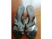 CLARKS WOMEN'S LEATHER SHOES SIZE 7 UK
