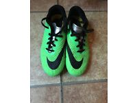 Green Nike hypernoms Size 5