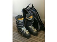 Ladies Salomon ski boots with carry bag