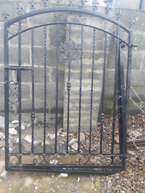 Heavy duty solid garden metal gate for sale £100 no offers