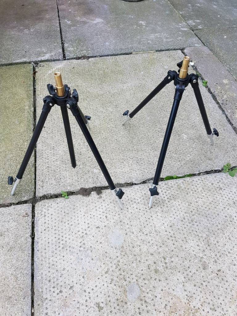 2x NGT mini tripod rod rest