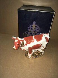 Boxed Royal Crown Derby Daisy Cow Paperweight