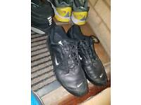 Nike black trainers size uk 10