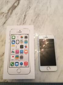 White iPhone 5s 16GB with charger and brand new Apple earphones
