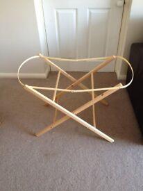 Shnuggle moses basket stand