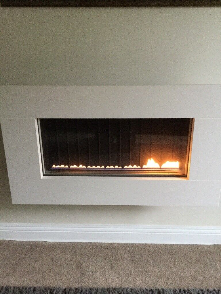 Modern Gas Fire in excellent working condition