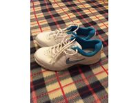 BRAND NEW NIKE LADIES TRAINERS SIZE 4.5