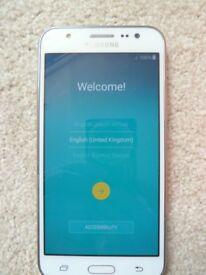 White Samsung J5 8BG phone (Hardly Used)