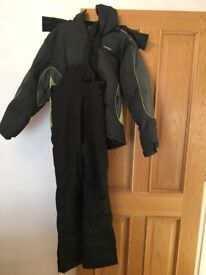 Ski jacket and trousers age 13-14