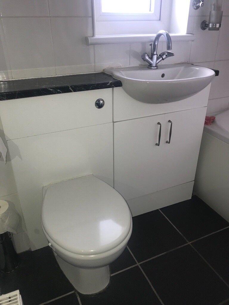 White Bathroom Suite Sink Toilet Pan Unit Bath Shower Taps