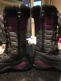 Merrell all weather boots size 5