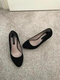 Ladies black size 5 shoes £3