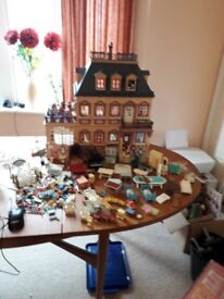 Playmobil Victorian Mansion 5300 Box ,Instructions And loads of Accessories And Box