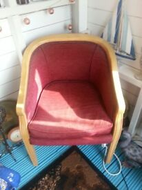 Nice pink sturdy tub chair