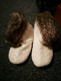 UK 3/4 cozy slippers