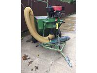 Predator horse paddock vacuum vgc 11hp engine.:works well electric start inc suction hose