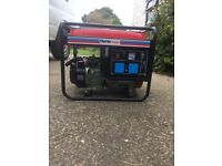 Clarke generator. As New never used. 2800 watts 7HP 2x230V 13amp sockets extra long run tank AS NEW