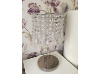 Table lamp with chandelier lamp shade
