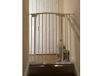 STAIRS GATE GUARD ( WHITE)