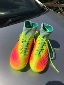 Nike JR Magista Obra II FG Football Boots UK size 3.5 (used but good condition)