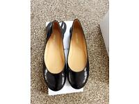 Ladies size 5 flat Smart shoes from Kurt Geiger