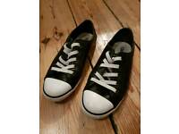 Women's Size 4/EU 37 Black and White Leather converse