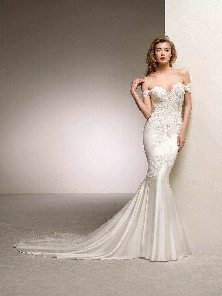 Wedding Dress: Pronovias Dante Off the Shoulder Sweetheart Mermaid ...