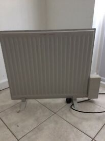 Electric oil filled flat radiator