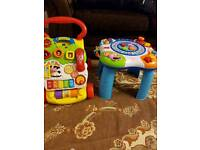 Baby's walker and play active